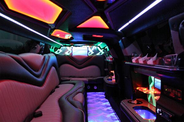 8 Person Chrysler 300 Limo Rental Miami